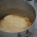 味噌仕込み3.麹をまぶす